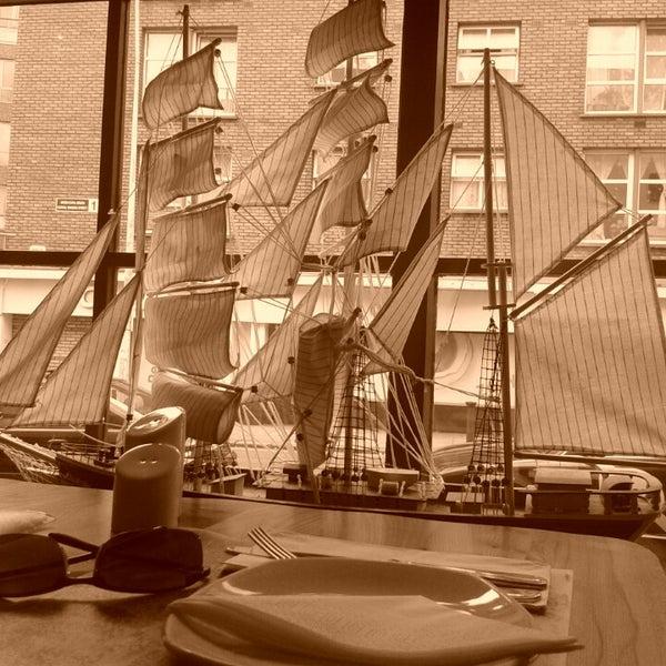 Снимок сделан в Admiral Restaurant пользователем Ivo K. 4/19/2013
