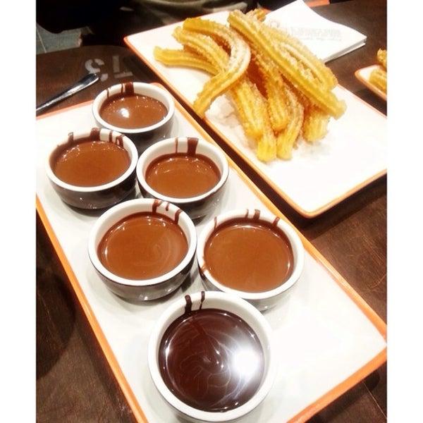 Foto diambil di Chocolateria San Churro oleh Samuel D. pada 2/23/2014