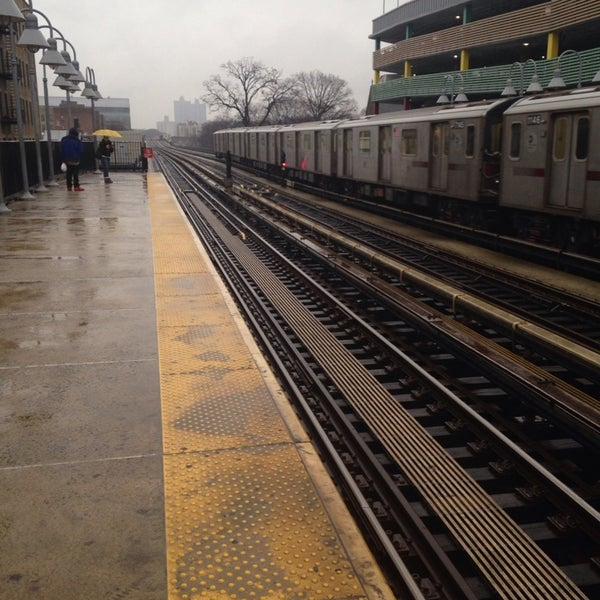Photo taken at MTA Subway - Fordham Rd (4) by Damian C. on 1/14/2014