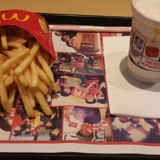 Photo taken at McDonald's by まいたけ on 12/22/2015