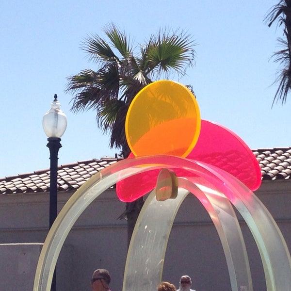 Foto tirada no(a) Mission Beach Park por Manny R. em 3/19/2014