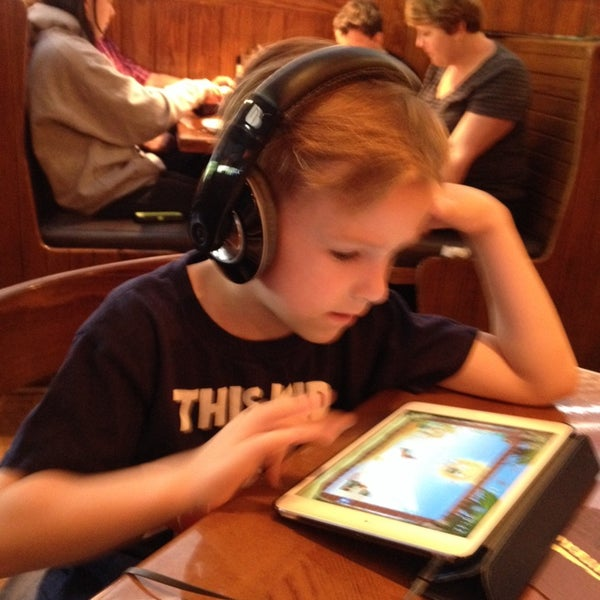 Photo taken at Outback Steakhouse by Wyatt W. on 5/11/2014