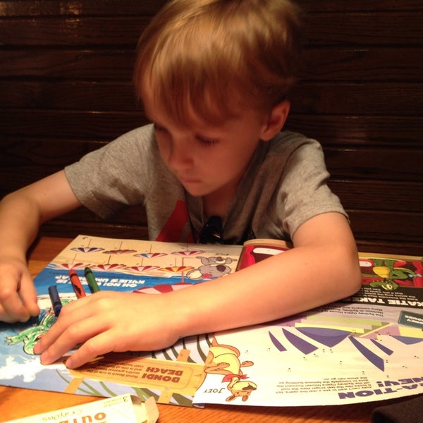 Photo taken at Outback Steakhouse by Wyatt W. on 6/8/2014