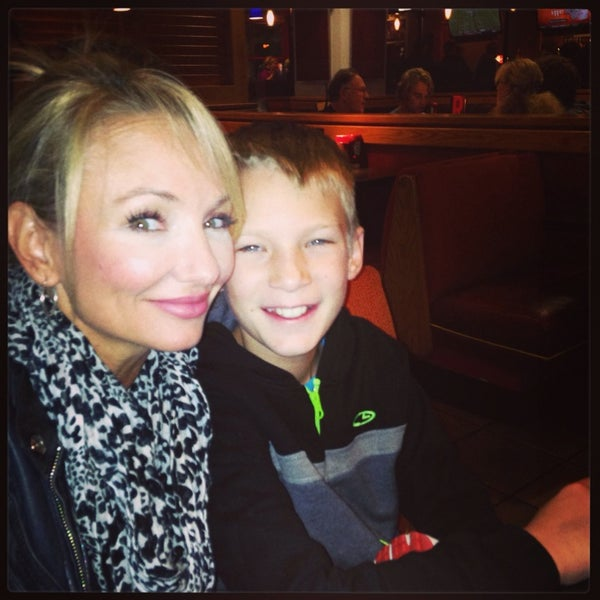 Photo taken at Red Robin Gourmet Burgers by Allissa S. on 9/29/2013