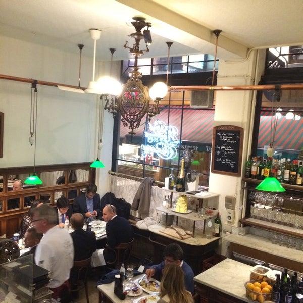 Photo prise au Restaurant de l'Ogenblik par Chris W. le10/22/2014