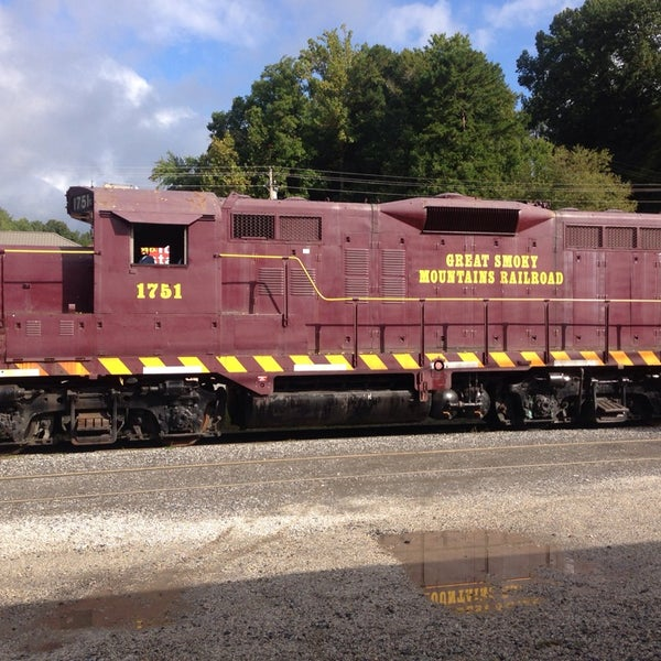 Photo taken at Great Smoky Mountain Railroad by Donnie W. on 9/26/2013