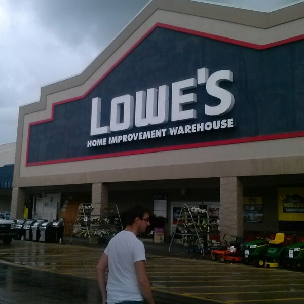 Lowe 39 s home improvement hardware store for Wallpaper lowe s home improvement