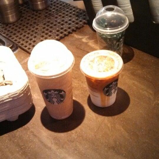 4/17/2013에 Robert B.님이 Starbucks에서 찍은 사진