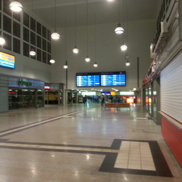 Photo taken at Duisburg Hauptbahnhof by Marco on 5/3/2013