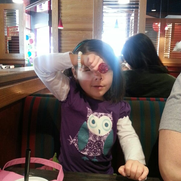 Photo taken at Red Robin Gourmet Burgers by Julia S. on 2/26/2014