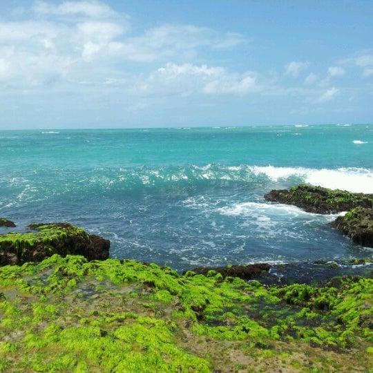 Foto tirada no(a) Praia Mirante da Sereia por Andréia M. em 9/15/2012