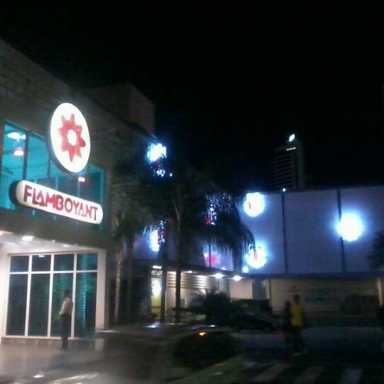 Foto tirada no(a) Flamboyant Shopping Center por Gilmar A. em 12/23/2012