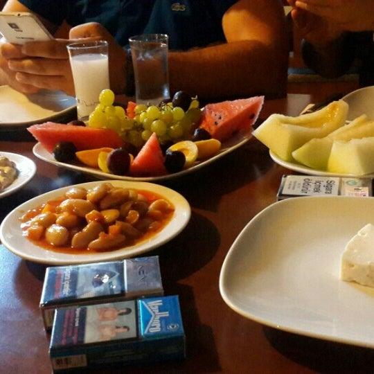 7/22/2015 tarihinde Onur K.ziyaretçi tarafından Çakıl Meyhane'de çekilen fotoğraf