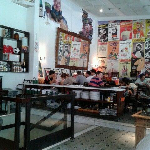 Foto tirada no(a) Verissimo Bar por Tatiana R. em 3/16/2013