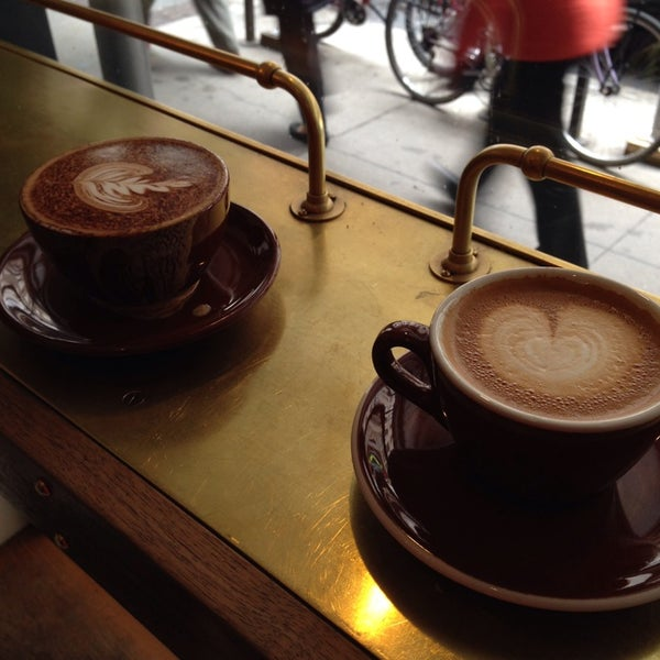 Photo taken at Stumptown Coffee Roasters by Donna T. on 3/30/2014