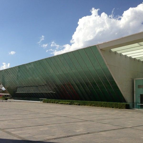 Foto tomada en MUAC (Museo Universitario de Arte Contemporáneo). por Juampa el 2/5/2013