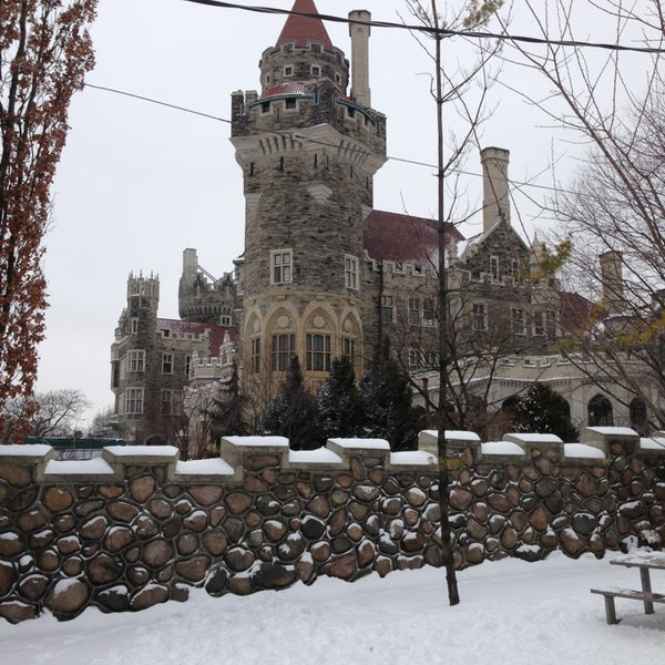 Photo taken at Casa Loma by Talita F. on 12/28/2012