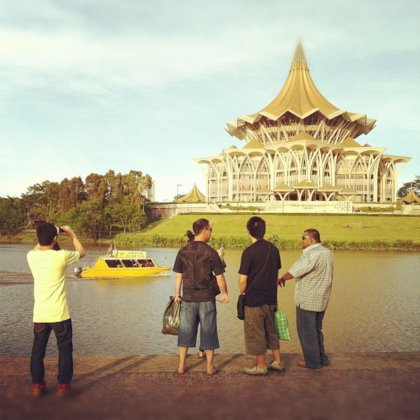 Where's Good? Holiday and vacation recommendations for Kuching, Malaysia. What's good to see, when's good to go and how's best to get there.