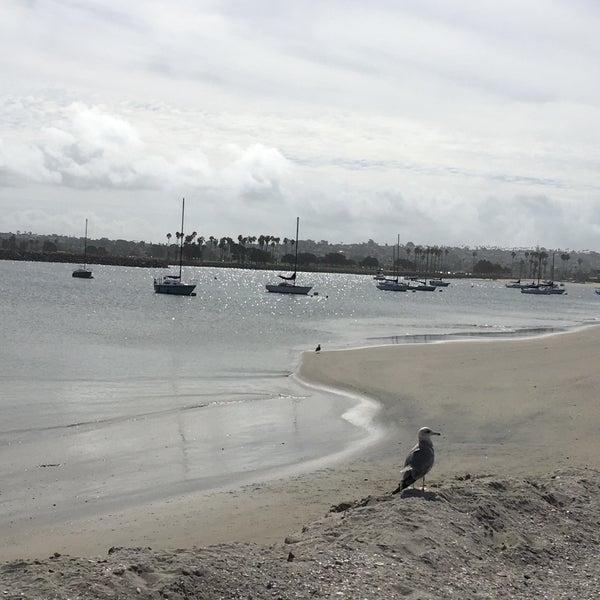 Foto tirada no(a) Mission Beach Park por Trvt P. em 2/22/2017