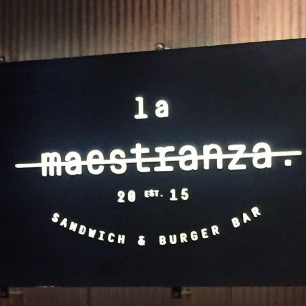 Foto tomada en La Maestranza Sandwich & Burger Bar por Carla Patricia V. el 11/29/2016
