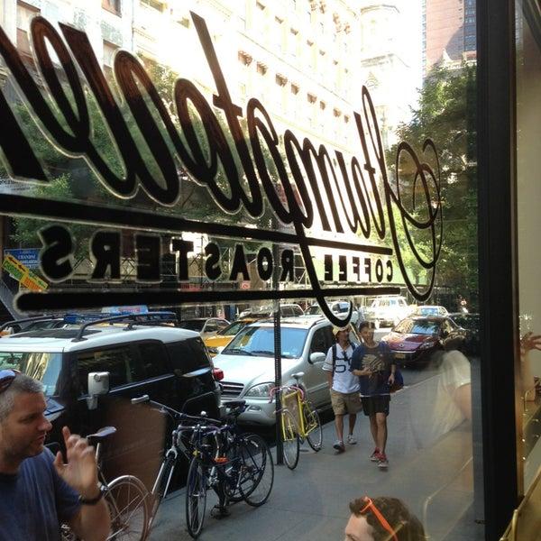 Photo taken at Stumptown Coffee Roasters by Soyeun P. on 8/25/2013