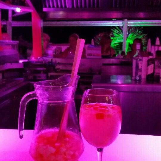 Foto tomada en Playa Miguel Beach Club por Margret d. el 6/17/2015