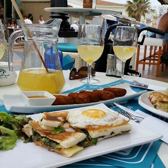 Foto tomada en Playa Miguel Beach Club por Margret d. el 6/9/2015