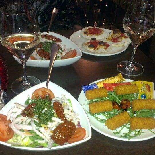 Photo taken at Very Italian Pizza by Liga P. on 3/3/2013
