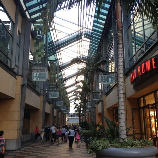 Galleria Mall: Shopping Mall In Sherman Oaks