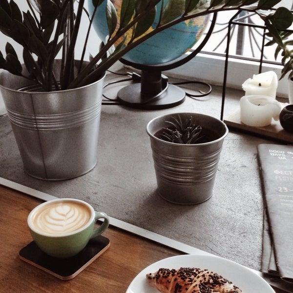 Ця кав'ярня підкорила моє серце😍 Таких супермилих баріст ще ніде не бачила, хорошики☺️ і красивий, світлий інтер'єр.