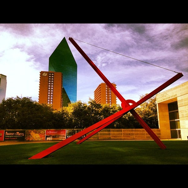 Photo taken at Dallas Museum of Art by Aaron W. on 12/15/2012