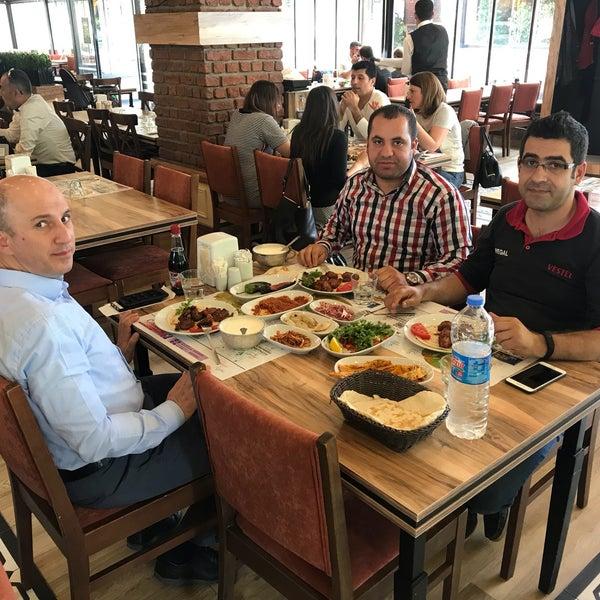 Foto diambil di Onur Ocakbaşı oleh Serhan Y. pada 5/15/2018