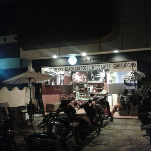 House Platinum: Coffee House Ree Caffe Platinum