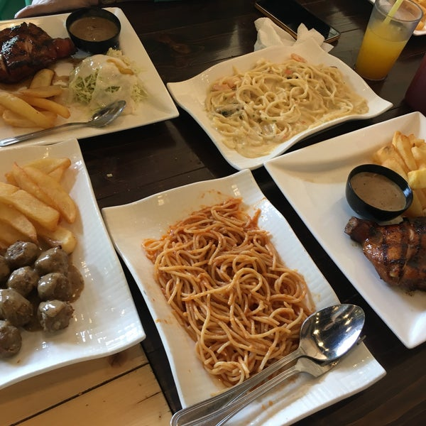 Photo taken at Melantak Steak Hub by Ain N. on 2/7/2016