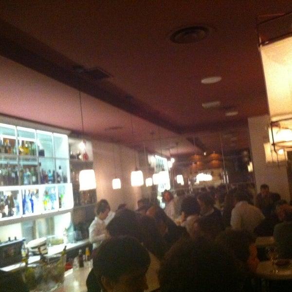 Foto tomada en a.n.E.l. Tapas & Lounge Bar por Currovik R. el 3/15/2013