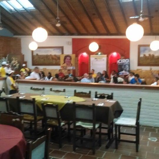 Foto tomada en Restaurante Tony por jose luis m. el 2/21/2014