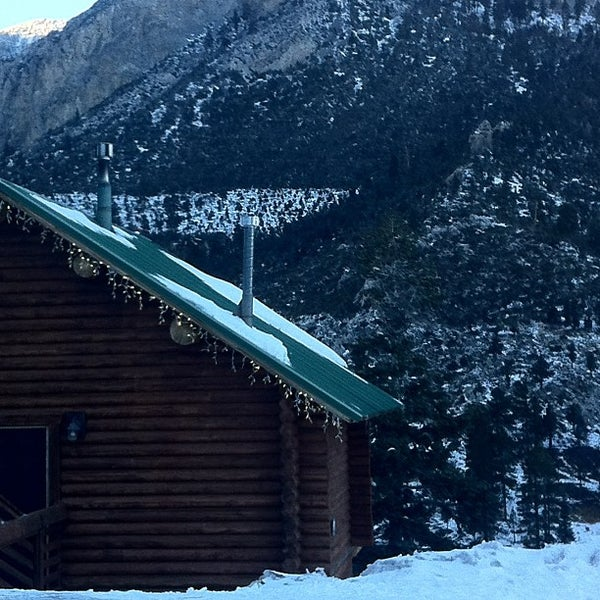 Photo taken at Mt Charleston Lodge by Vino Las Vegas on 12/20/2012