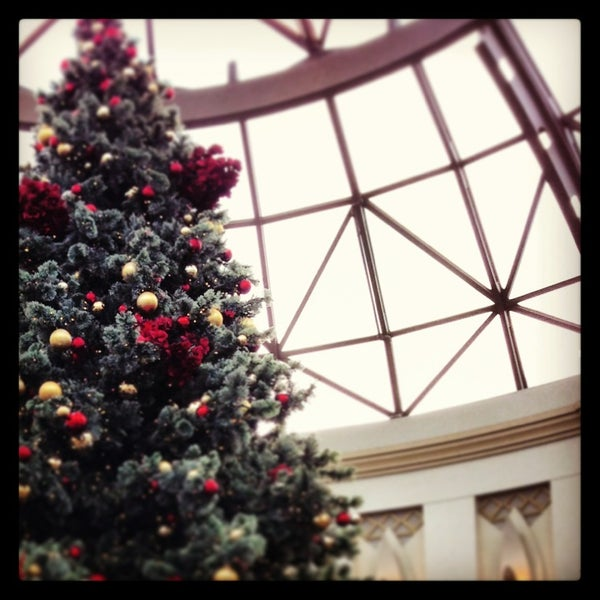 Photo taken at King of Prussia Mall by Noel on 12/23/2012