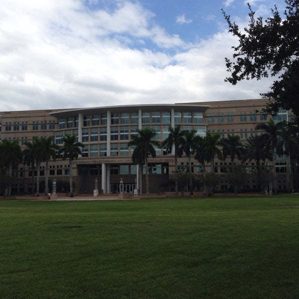 Photo taken at NSU: Alvin Sherman Library by Peter B. on 10/13/2013