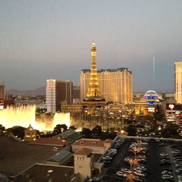 Photo prise au Bellagio Hotel & Casino par Christian L. le4/22/2013