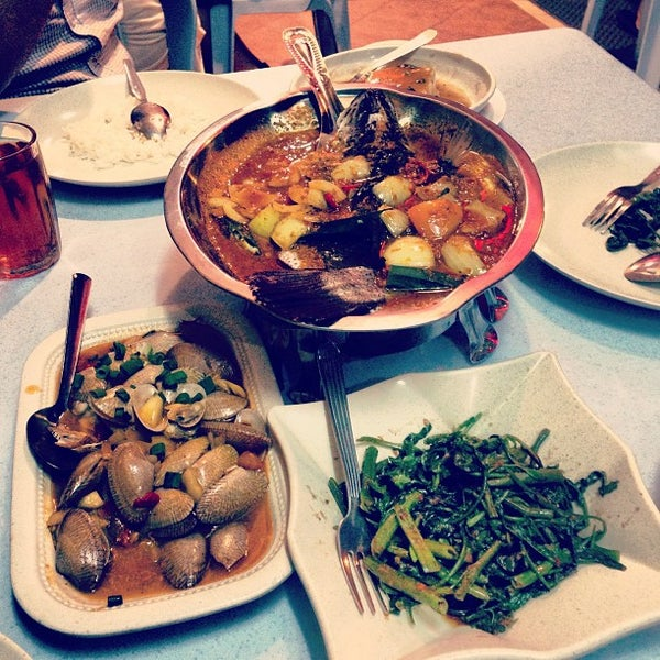 Photo taken at Homst Restaurant by Adni S. on 4/20/2013