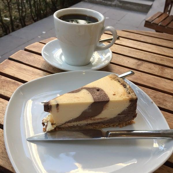 9/19/2017 tarihinde Sevcan K.ziyaretçi tarafından Maria's Cheesecakes'de çekilen fotoğraf