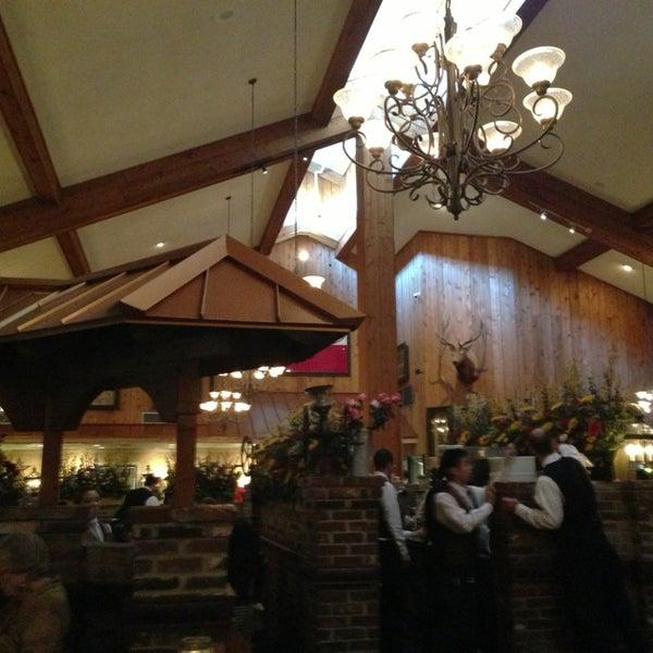 Foto tomada en Taste of Texas por Carito-Carolina J. el 2/14/2013