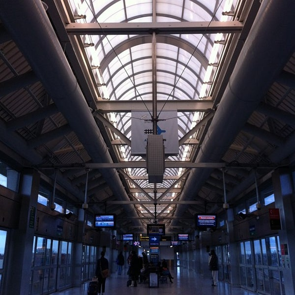 how to get to newark airport from manhattan penn station