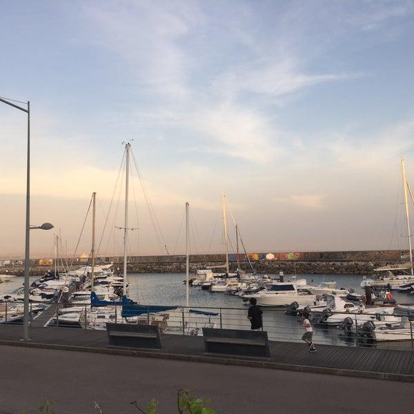 Foto tirada no(a) Porto de Recreio de Oeiras por Ana P. em 6/8/2016