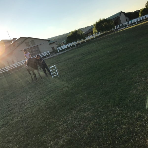 7/30/2017 tarihinde Ecrnbsr E.ziyaretçi tarafından Olimpos At Çiftliği'de çekilen fotoğraf