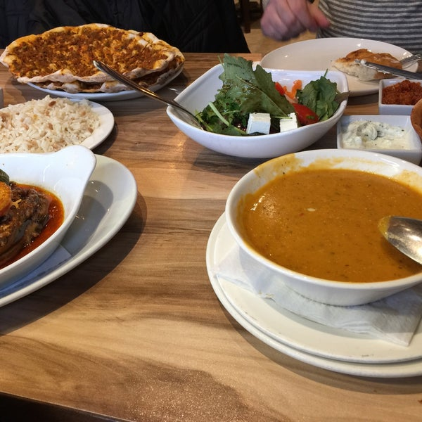 4/27/2017 tarihinde Ali M.ziyaretçi tarafından Hala Restaurant'de çekilen fotoğraf
