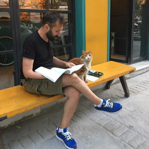 7/28/2016 tarihinde Ertan Y.ziyaretçi tarafından Manuel Deli & Coffee'de çekilen fotoğraf