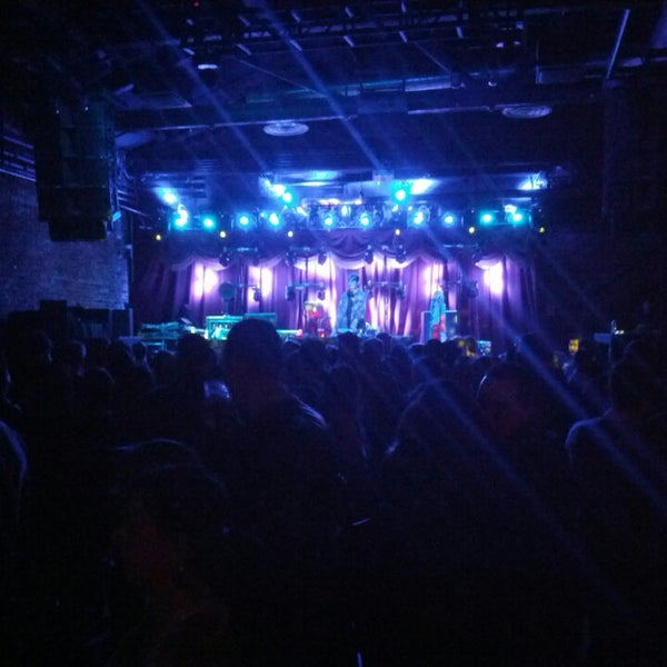 Photo taken at Brooklyn Bowl by David P. on 3/31/2013