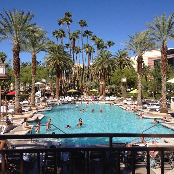 Mgm Grand Pool The Strip Las Vegas Nv